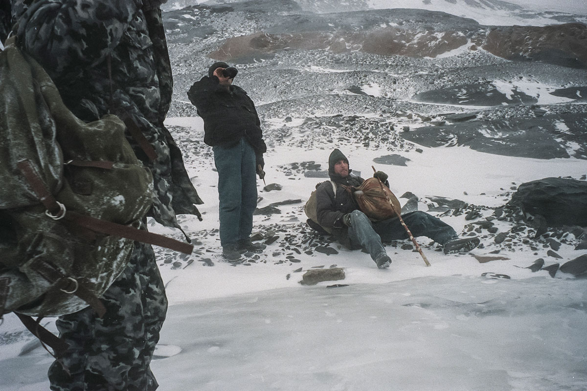 December 30th 1999.  The last passageway between Chechnya and Georgia, leading through the Argun gorges, having been   cut by Russian parachute troops 18 December 1999, the only remaining route is nothing but pathways through the mountains that must be crossed on foot.